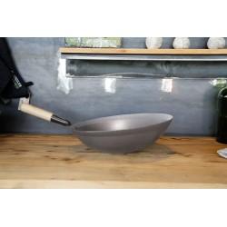 Wok met houten steel